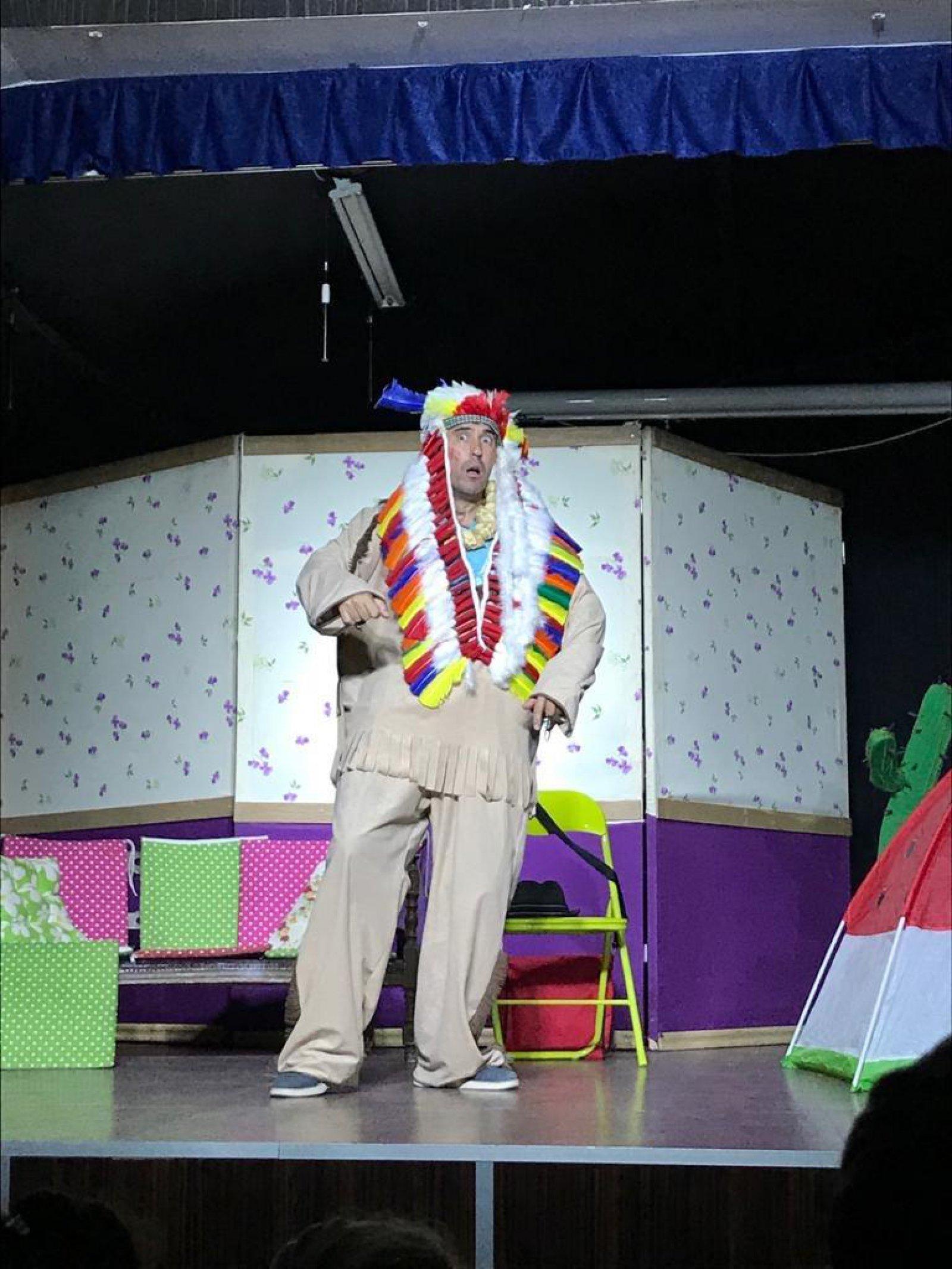 Tiyatro Gösterisi