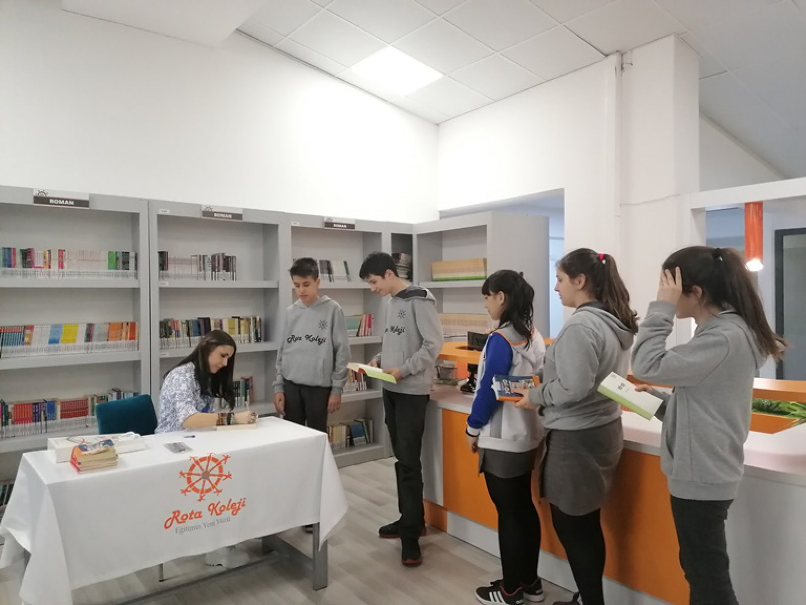 Hanzade SERVİ ile Söyleşi